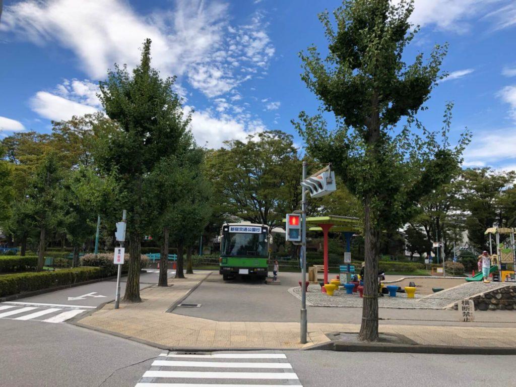 新宿交通公園 砂場、ブランコ