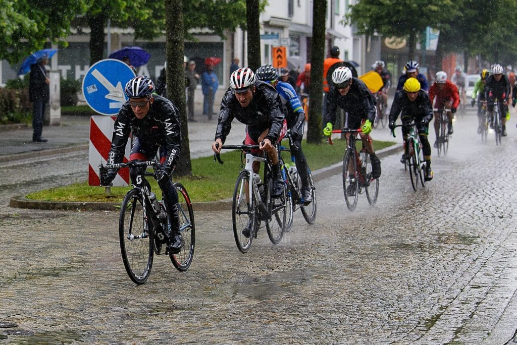 雨の日の自転車通勤 寒い