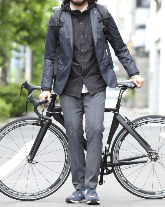 自転車通勤 服装 スーツ