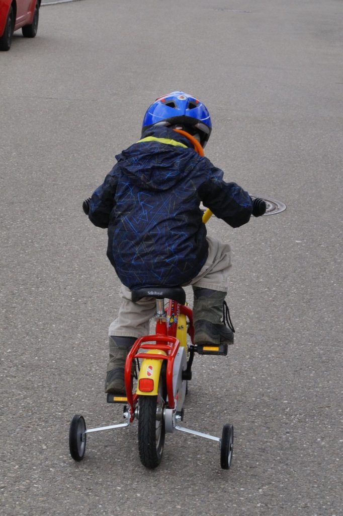 子供 自転車 乗り方 坂