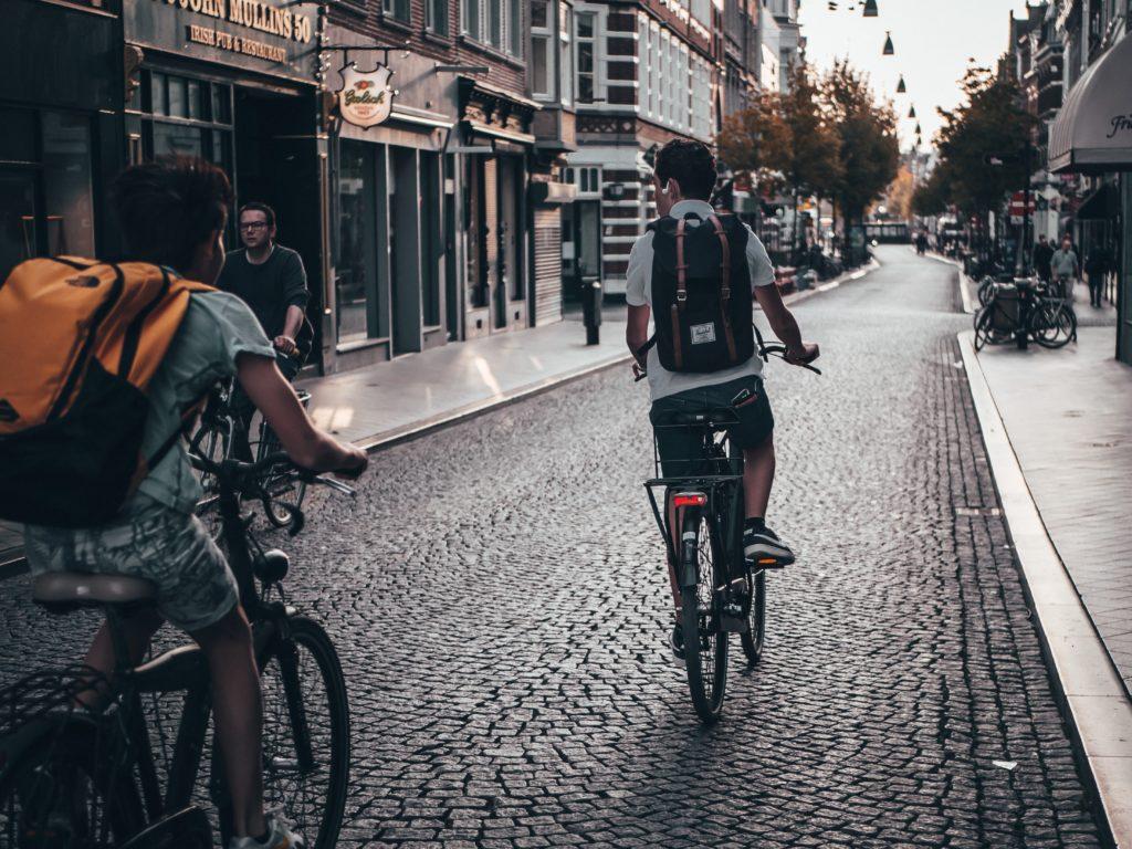 自転車 イヤホン