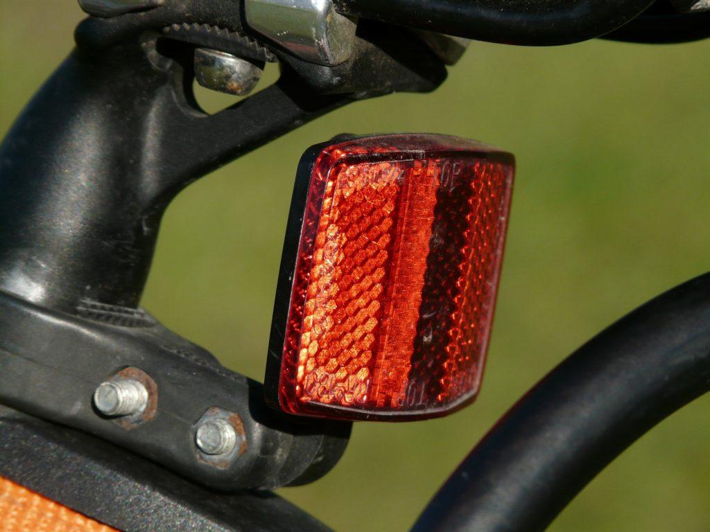 自転車 反射板 とは