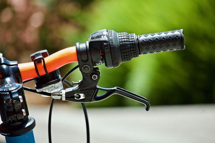 自転車 ブレーキ うるさい原因