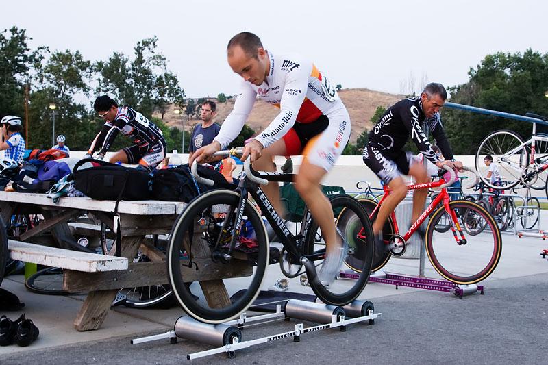 自転車 トレーニング 3本ローラー代